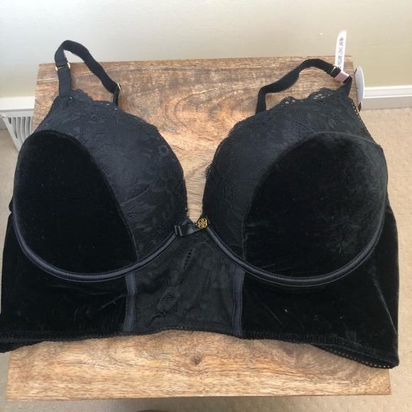 a198e84c87 Daisy Fuentes black velvet 42D long line bra
